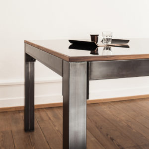 a_table 01