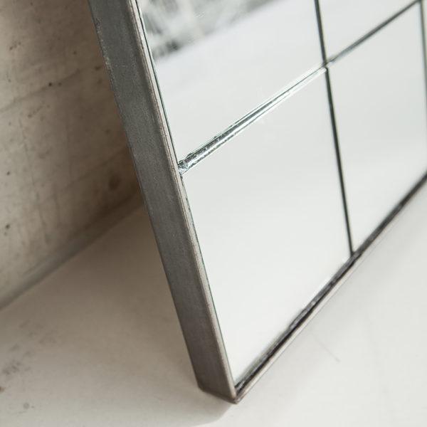 a_mirror 01