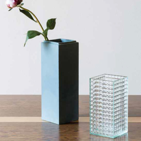 LE 55 Vase Blue Stone